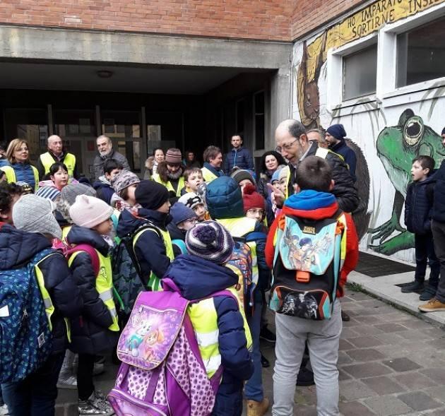 Tutti a scuola a piedi o in bicicletta con i volontari di FIAB Cremona