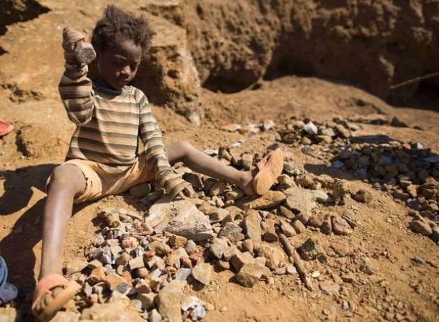 Pianeta Migranti. L'Africa paga la nostra aria pulita.