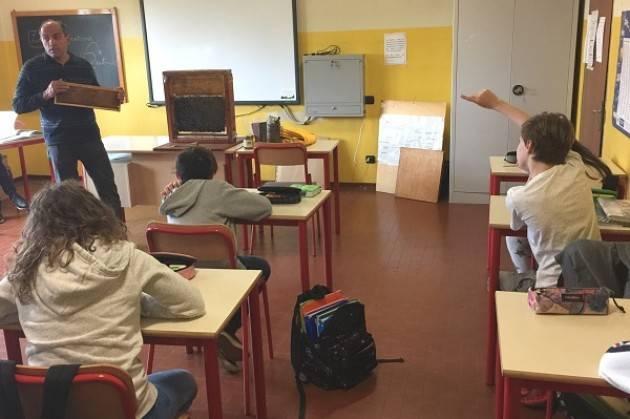 Cremasco Coldiretti Gli alunni incontrano  'il cercatore di fioriture' Sergio Zipoli