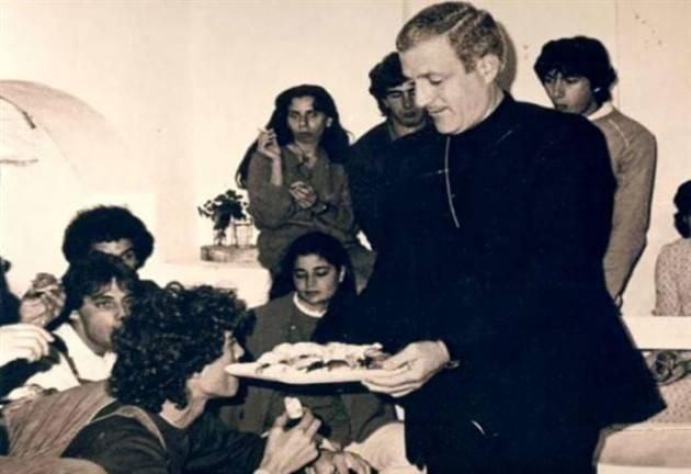 IN PIEDI COSTRUTTORI DI PACE Le Acli Cremona ricordano don Tonino Bello, vescovo il 20 aprile