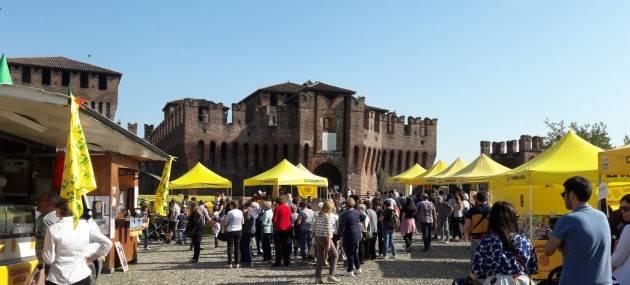 Coldiretti Grande successo per il mercato di Campagna Amica alla Rocca Sforzesca  di Soncino