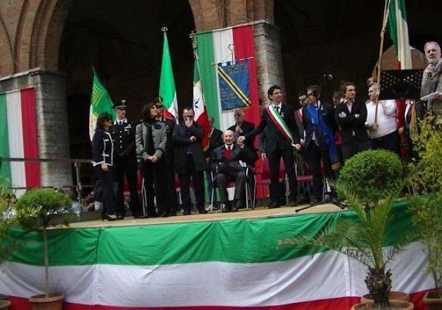 Cremona 25 aprile 2018 L'intervento di Gianluca Galimberti dal palco