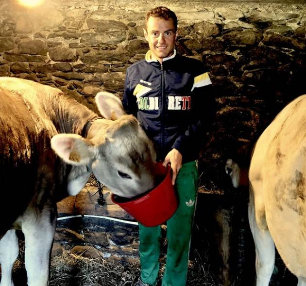 Coldiretti Dagli alpeggi della Valtellina alla Coppa del Mondo: il campione di sci che alleva mucche a rischio estinzione