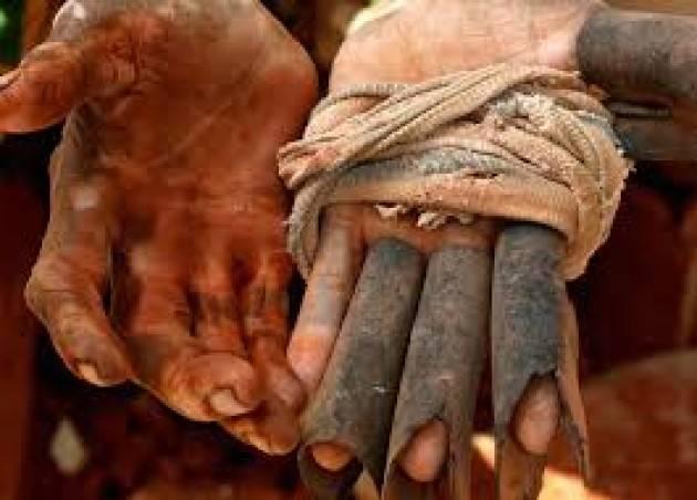 Pianeta Migranti. In Europa avanza la tratta degli schiavi del lavoro.