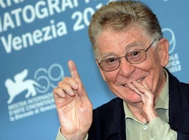 Bandiere a mezz'asta a Bergamo per la scomparsa di Ermanno Olmi