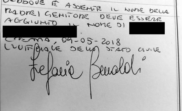 Crema Stefania Bonaldi iscrive nel registro delle nascite  i due papà di due fratellini nati all'estero