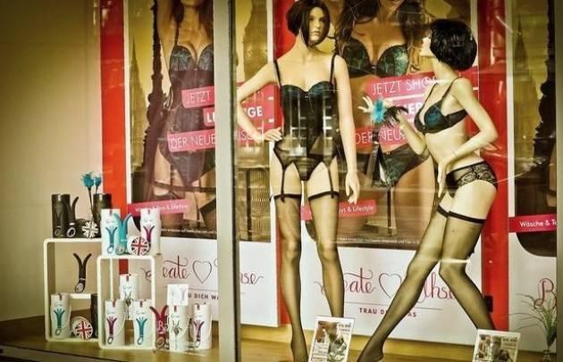Slovacchia il 73% dei cittadini pensa che sia giusto imporre la chiusura dei negozi nelle festività