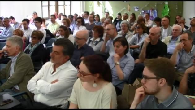 (Video) Cremona Carlo Cottarelli demolisce il contratto  LEGA-M5S : ' Puntano a farci uscire dall'euro'