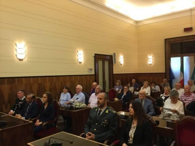 Carlo Cottarelli nella conferenza alla Provincia di Cremona ribadisce i pericoli dell'economia italiana