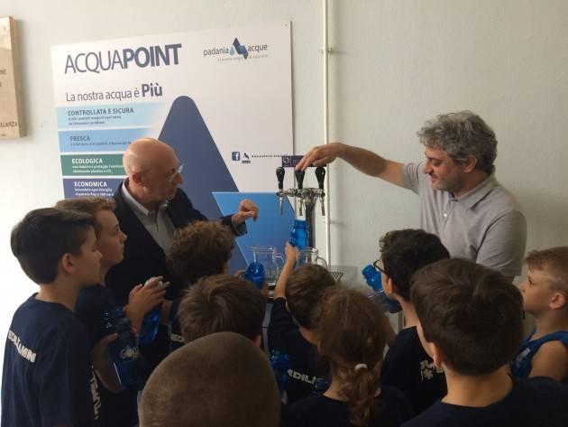 Acqua Eco Sport : Padania Acque e Vanoli Basket inaugurano il corner ACQUAPOINT e presentano il Camp estivo statunitense