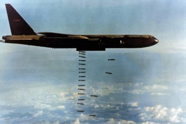 AccaddeOggi   #18giugno 1965 – Guerra del Vietnam: Gli Stati Uniti usano i bombardieri B-52 per attaccare i Vietcong