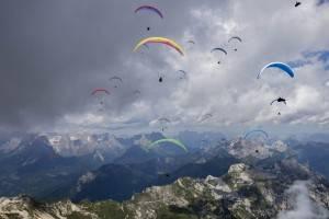 A Gemona (Udine) la Coppa del Mondo volo in parapendio. Lo spettacolo andrà in scena tra il 24 e il 30 di giugno.
