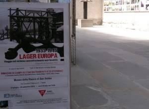 Trieste Pubblico numeroso alla mostra fotografica di Pinzi e Bottoli sui LAGER EUROPA  dal 1933-1945