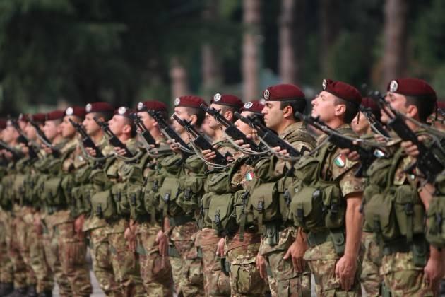 AccaddeOggi   #1luglio 2005- L'Italia dice addio al servizio di leva obbligatorio: la leva militare resta aperta solo a volontari