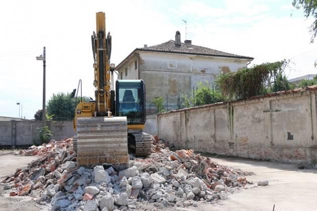 Cremona Il sindaco Gianluca Galimberti visita Ex Mercato Ortofrutticolo, lavori di sicurezza e pulizia