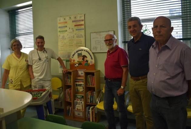 ASST Ospedale di Cremona MINIBIBLIOTECA IN PEDIATRIA DONATA DALL'AVIS DI PESCAROLO