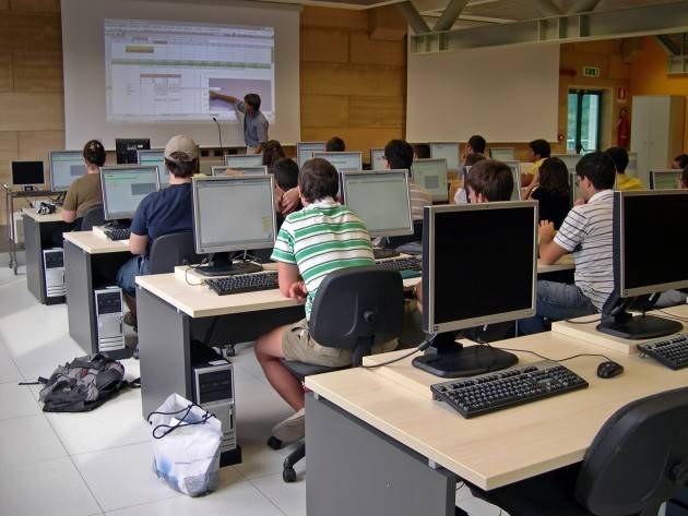 Chiuderanno il 23 agosto 2018 PoliMilano-CampusCremona  RIAPRONO ISCRIZIONI TEST AMMISSIONE