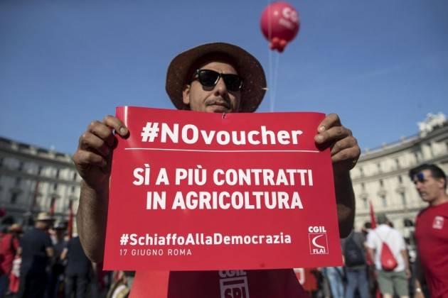 (Video) I Voucher in agricoltura sono dannosi e coprono lavoro nero Interviste a Dolci e Singh della Flai-Cgil di Cremona