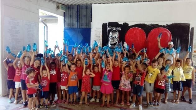 Crema Padania Acque Glu Glu a sorpresa alla Colonia Seriana per premiare i bambini che hanno detto no alla plastica delle bottiglie