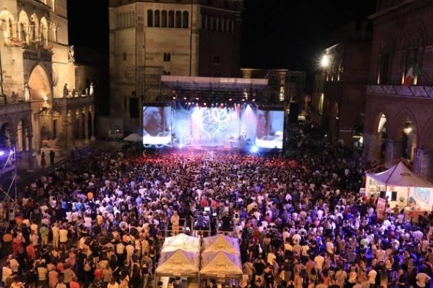 Cremona: AcqueDotte, in 15mila tra piazza del Comune e palazzo Trecchi