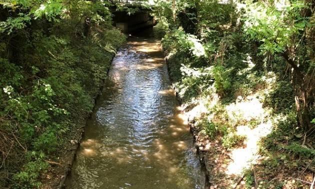 Padania Acque Cremona corsi d'acqua colorati di rosso, ma nessuna conseguenza per l'ambiente