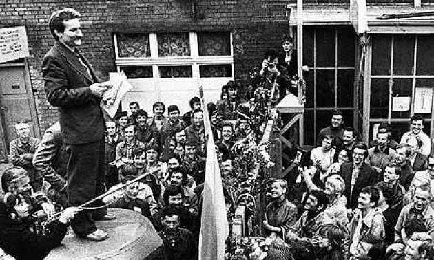AccaddeOggi  #14agosto 1980 – Lech Wałęsa guida gli scioperi nei cantieri navali di Danzica, in Polonia