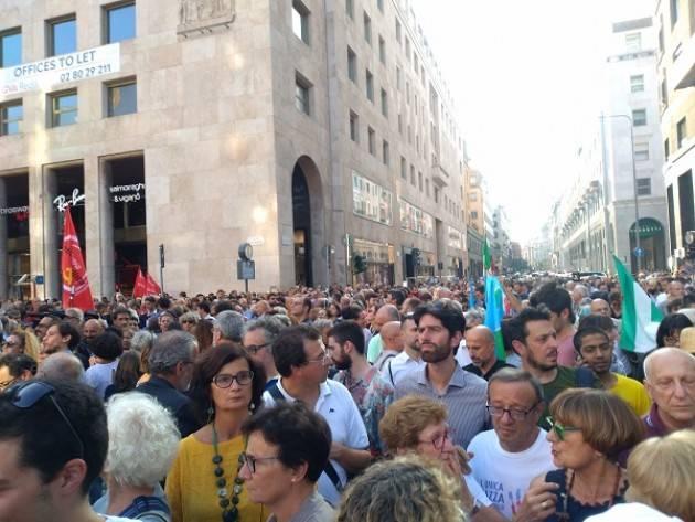 Liberi e Uguali Cremona al presidio  a Milano di protesta contro #Orban e #Salvini