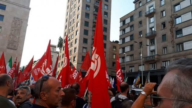 Anche la Cgil di Cremona al presidio di protesta a Milano contro #Orban e #Salvini