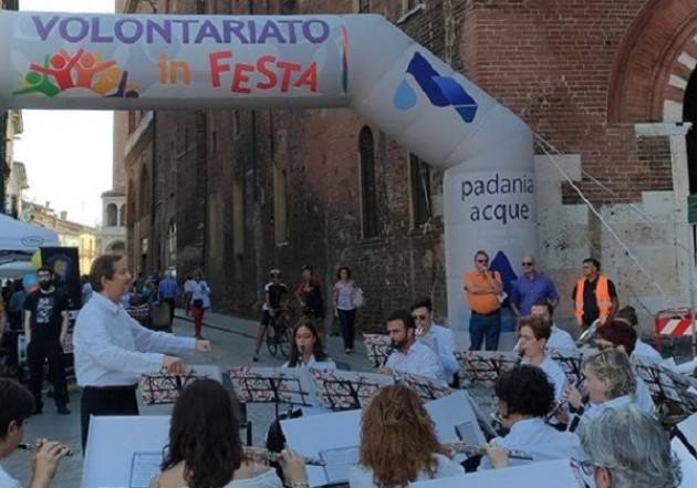 Festa Volontariato Un grande successo La città del bene comune: domenica 23  in migliaia fra gli stand