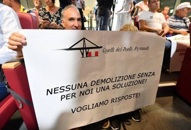 Da Genova  una bella notizia .Protesta di commercianti e sfollati contro  Toninelli Fischiato Toti di Gian Carlo Storti