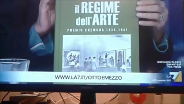 (Video) Vittorio Sgarbi dalla Gruber a ottoemezzola7 invita a visitare  la mostra 'Il regime dell'arte' di Cremona