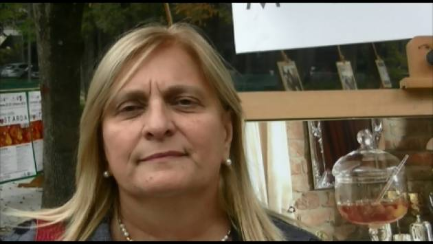 (Video) Cremona Festa Mostarda 2018 Barbara Manfredini : è un notevole successo. E nel 2019 anche la festa dei formaggi cremonesi