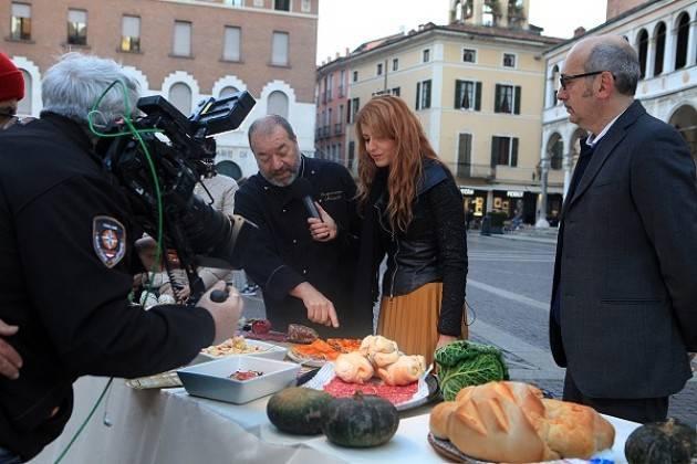 Cremona: la Festa del Salame in diretta su Unomattina