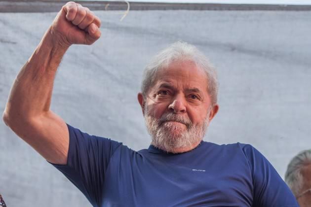 AccaddeOggi   #27ottobre 2002 – Il sindacalista Luiz Inácio Lula da Silva è eletto presidente del Brasil
