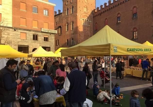 Per la Giornata provinciale del Ringraziamento Domani 11 novembre  Campagna Amica in piazza Stradivari Cremona