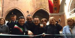 Via alla Festa del Torrone Cremona 2018 Gianluca Galimberti tagli il nastro