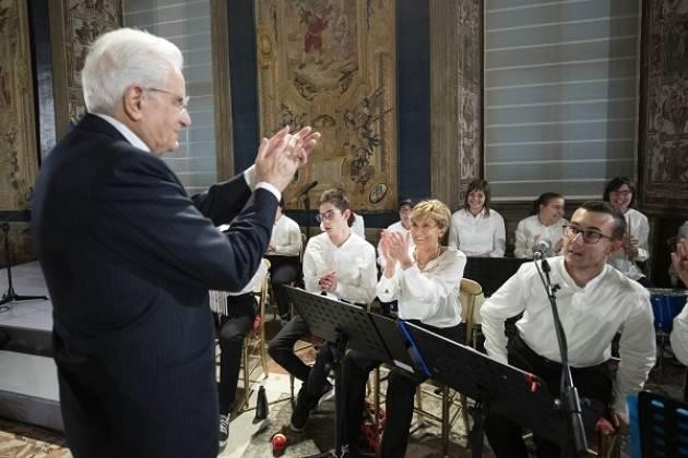 Sergio Mattarella abbraccia l'Orchestra MagicaMusica di Castelleone