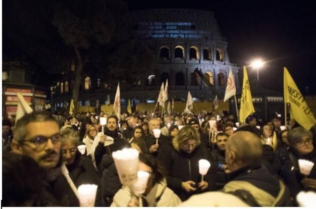 DIRITTI A TESTA ALTA Le fiaccolate in oltre 85 piazze italiane per celebrare la DUDU