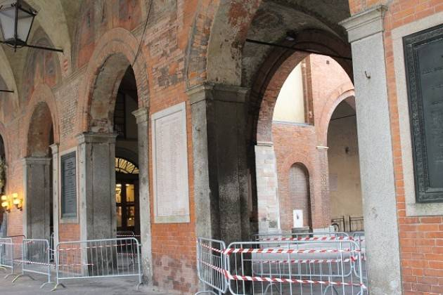 Portici di Palazzo Comunale Cremona, in sicurezza l'area interessata dalla caduta di calcinacci
