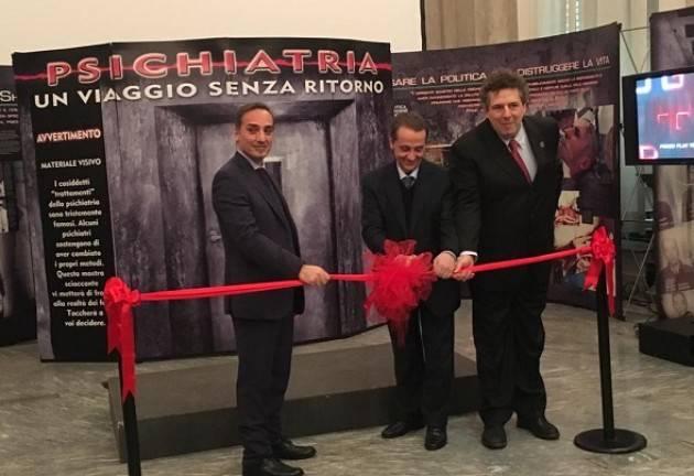 Milano Alla mostra sulla Psichiatria 1000 visitatori in re giorni