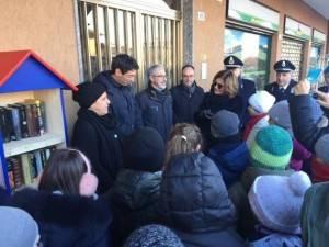 Cremona Tutto va in caciara anche la casetta dei libri al Boschetto