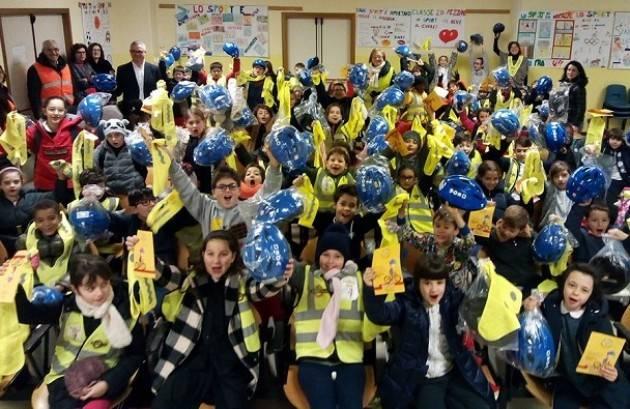 Piacenza  Pedibus, il bilancio della campagna 'Col casco non ci casco'