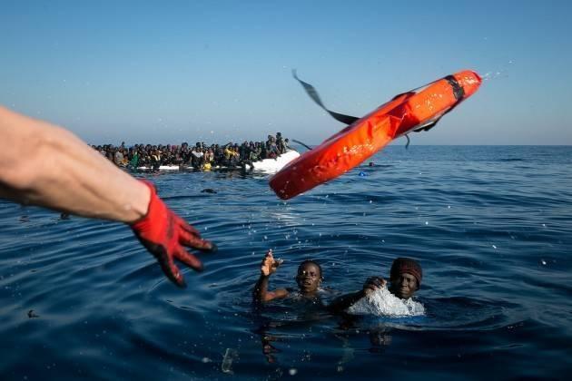 ADUC Governo. Salvini, Di Maio, gli immigrati e le bufale