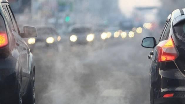 Cappa di smog in tutta la Lombardia, a Cremona PM 10 da cinque giorni sopra la soglia