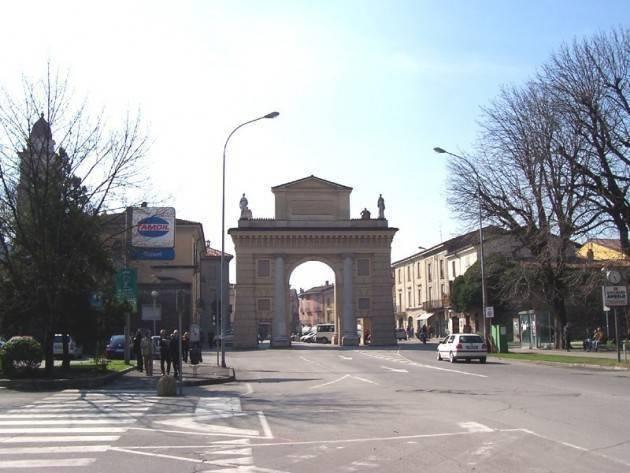 Crema Piazza Garibaldi appartiene alla città  di Antonio Agazzi