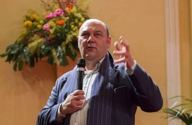 Sabato 9 febbraio al Casinò di Sanremo Claudio Porchia presenta il libro Sanremo Story  di Christian Flammia