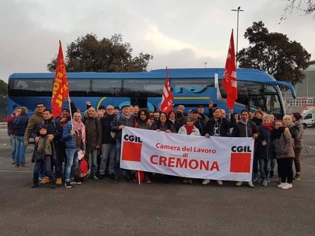 (Video) Con Cgil-Cisl-Uil in 300 a Roma da Cremona alla manifestazione #FuturoAlLavoro