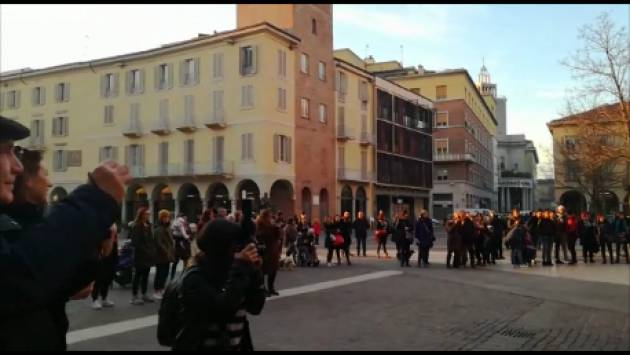 Anche a Cremona il 14 febbraio 2019 ONE BILLION RISING fa sentire la propria voce (Video di Chiara Peli)