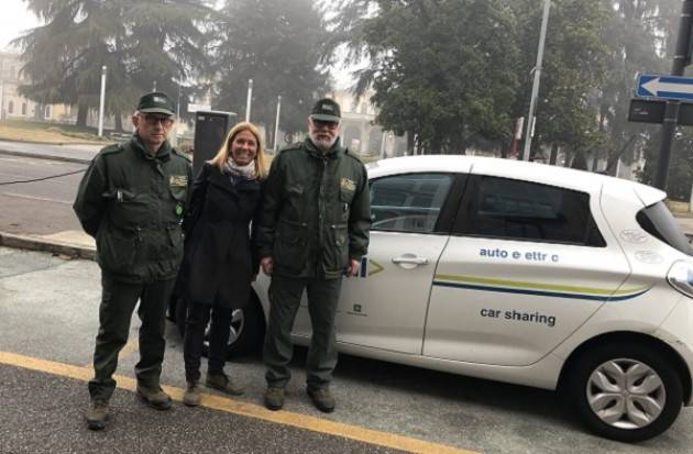 Cremona: un'auto elettrica per gli spostamenti di servizio delle Guardie Ecologiche Volontarie
