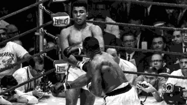 AccaddeOggi  25 febbraio 1964 – Muhammad Ali diventa campione mondiale dei pesi massimi a soli 22 anni